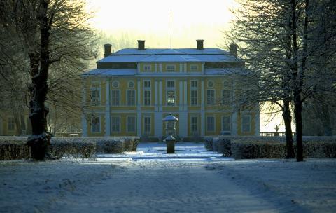 Steninges traditionella julmarknad öppnar portarna