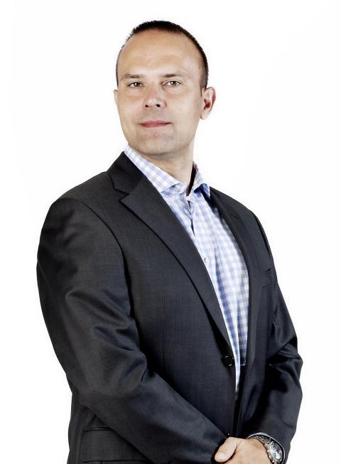 Henrik R. Møller - Divisional Director, Business Application Services, EG