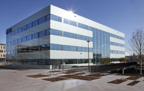 ASICS opens new European head office