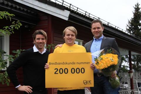 Broadbandcustomer no 200 000