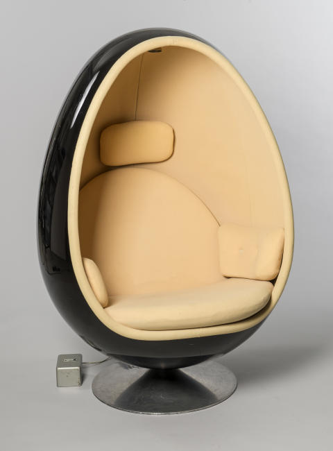 New acquisition: Ovalia Egg Chair by Henrik Thor-Larsen