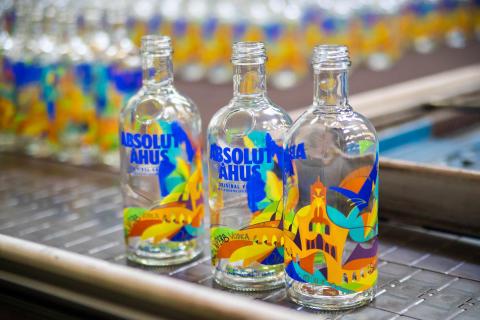 Absolut  Home  launches  its own  unique bottle – Absolut  Åhus
