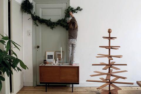 habitree der etwas andere baum bietet weihnachten mit style und kebony. Black Bedroom Furniture Sets. Home Design Ideas