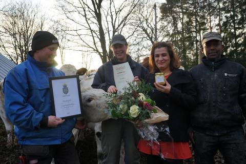 Vinnare Matverk Gästrikland 2018  Hadeel Naeem med Roberth Eklund, Tina Pettersson och Omar Ibrahim frånJärbogårdar