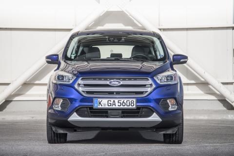 Uuden Ford Kugan edistykselliset ominaisuudet parantavat ajomukavuutta, turvallisuutta ja tyyliä tien päällä
