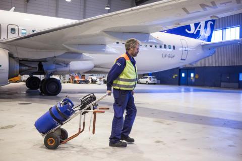 Bättre arbetsmiljö i fokus när SAS byter till AGA:s GENIE® gasflaska