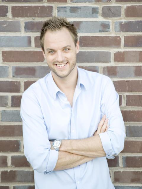 Robin Paulsson – komikern och programledaren gästar Caravan Stockholm!