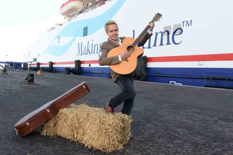 Country legends cruise into Belfast