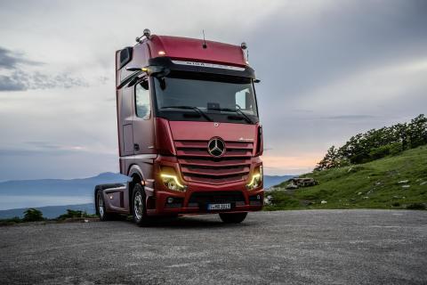 Fantastiskt år för Mercedes-Benz lastbilar!