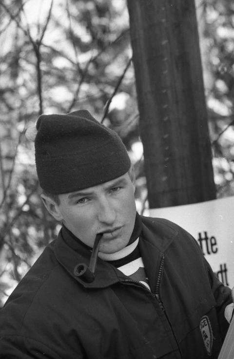 Bjørn Wirkola med pipe
