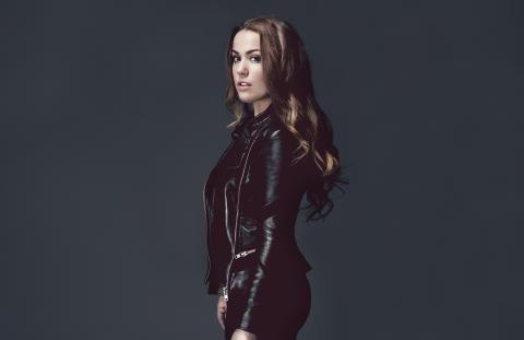 """Ny single og video fra Julie Bergan - """"Younger"""""""