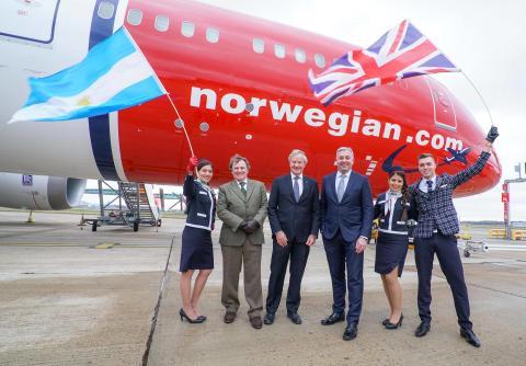 Lansering av Norwegians første flyvning til Buenos Aires på London Gatwick
