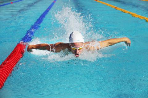 Svenska ungdomseliten i simning till Norrköping