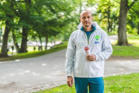 Petter springer i kampen mot barncancer
