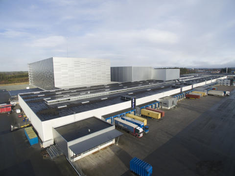 Implementeringen af et tredje højlager har stort set fordoblet distributionslagerets kapacitet for den danske møbelforhandler JYSK Nordic A/S i den sydsvenske by Nässjö