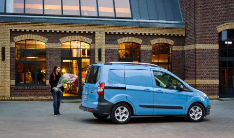 FORD TRANSIT COURIER - 1