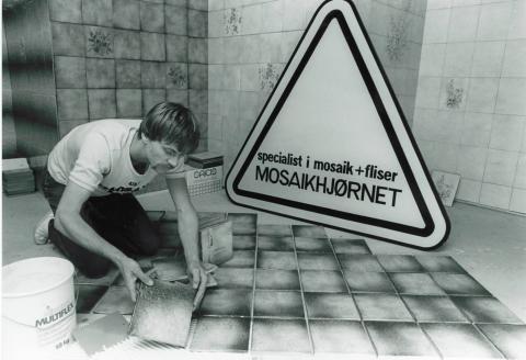 Mosaikhjørnets mand - en garvet mosaikker fejrer 40 års jubilæum