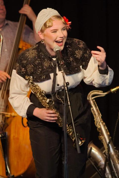 Nanna Carling tar över Gunhild Carlings swingklubb på Mejeriet