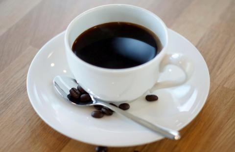 Tre stockholmare och en malmöit slåss om kaffepris