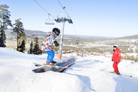 Oskar i snowparkskole