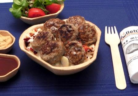 Snacks für den Biergarten: Kartoffelsalat mit Biftekis im Füllett