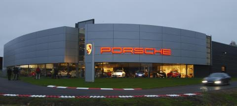 Sveriges största Porsche Center invigs i Borås