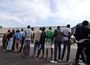Italien: EU:s påtryckningar leder till kränkningar av flyktingar och migranters rättigheter