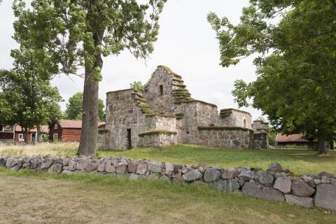 Stora Rytterne kyrkoruin firar 80-årsjubileum