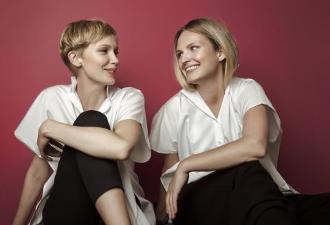 Grundarna av Bukvy Joanna Bark  och Elena Ekström