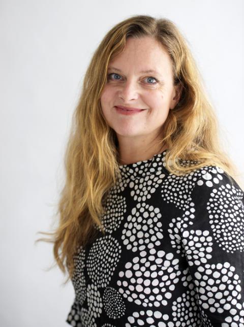 Slöjd är både ett filosofiskt ämne och en förutsättning för innovation och ett hållbart tänkande, menar Konstfacks rektor Maria Lantz apropå pågående slöjddebatt