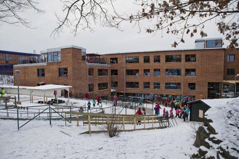 Lugnets skola invigd