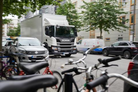 Der Scania Abbiegeassistent ist für den Innenstadtbereich und für Spurwechsel geeignet