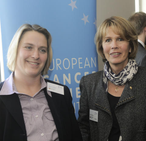 Michaela Geissler und Christa Maar (v.l.)