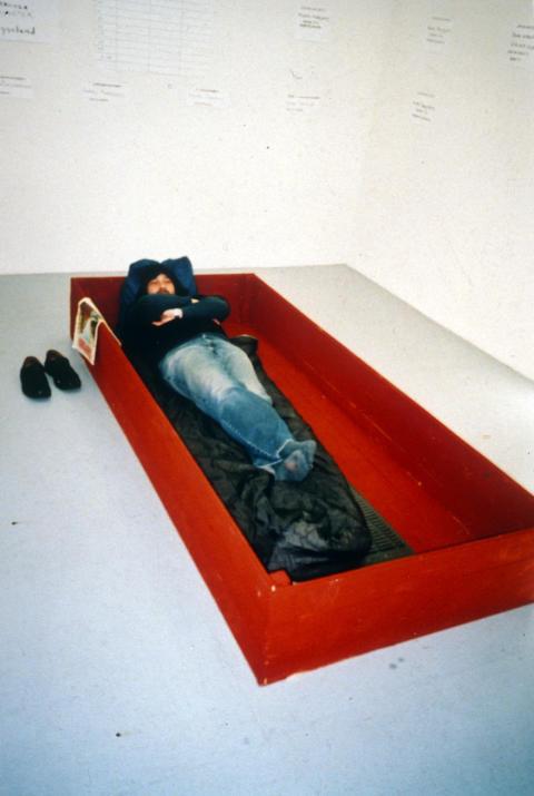 Nils Claessons Pudaslåda på utställningen UnTied Notions