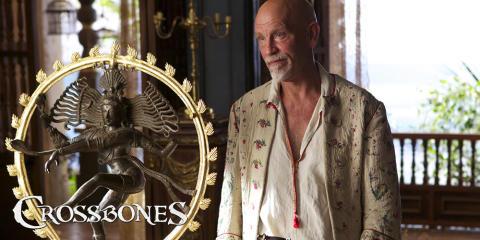 John Malkovich hylder kollega i den nye serie Crossbones