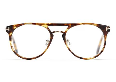 Undersökning bland svenska glasögonbärare visar: höga krav på komfort men låg kunskap om glas