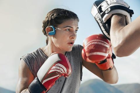 """Sony utökar utbudet av """"wearables"""" med nya Walkman® WS413/WS414"""