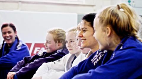 GIRLS GATHER IN WEST LONDON TO PROMOTE WOMEN'S BJJ (BRAZILIAN JIU JITSU)