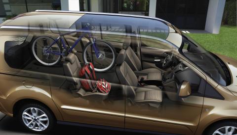 Ford Tourneo Connect tarjoaa monipuolista tilaa