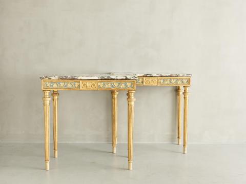 Ett par gustavianska konsolbord med marmorskiva, av Per Ljung (1743-1819), Stockholm cirka 1790.