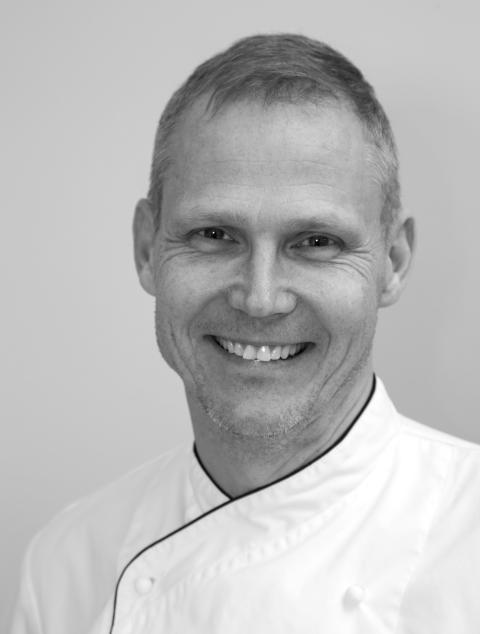 Chokladfabrikens delägare och chefskonditor, Martin Isaksson