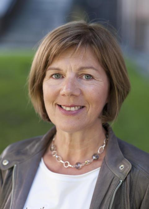 Rigmor Hansen, Adm. dir i Undervisningsbygg