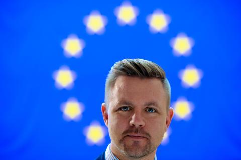 Ny rapport: Cameron utmanar EU:s grundläggande värden, menar Fredrick Federley (C)
