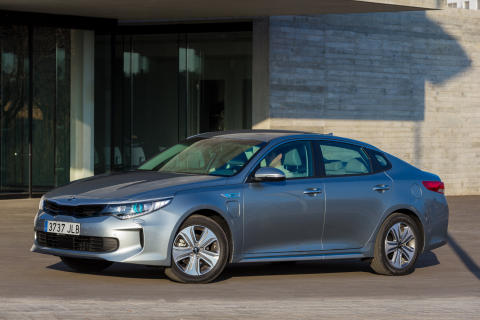 Premiere for Kia Optima Plug-in Hybrid