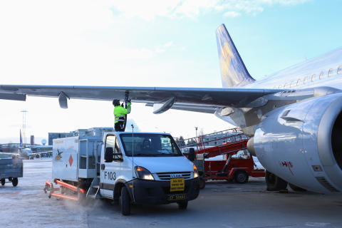Biodrivstoff er viktig for å redusere utslipp fra luftfarten