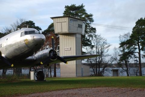 Svenska Fallskärmsförbundet firar 60 år med Herculeshoppning i Karlsborg!