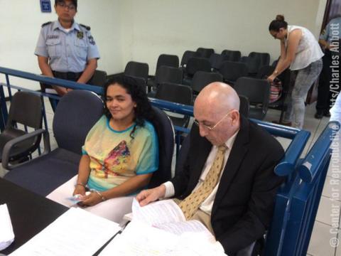 María Teresa Rivera, fängslad fyra år för ett missfall under graviditeten - nu fri!