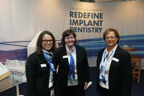 DENTSPLY Implants exhibition and hospitality lounge (1)