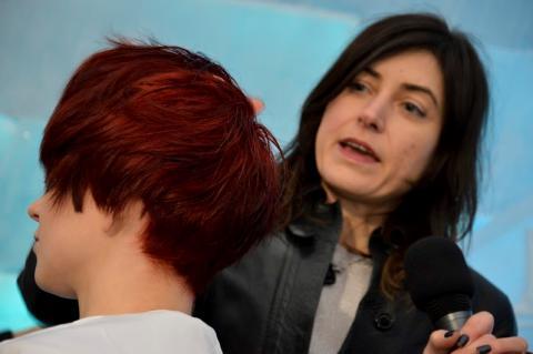 Artstic director Maria med modell
