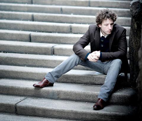 Ljudmagikern Peter Friis Johansson på Bistroscenen